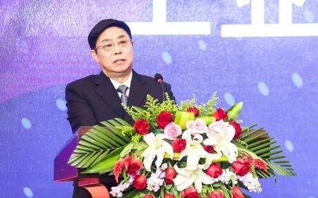 工信部总工程师张峰:发挥先导区创新机制作用 人工智能赋能山东动能焕新