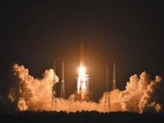长征五号发射成功运送八吨卫星入轨